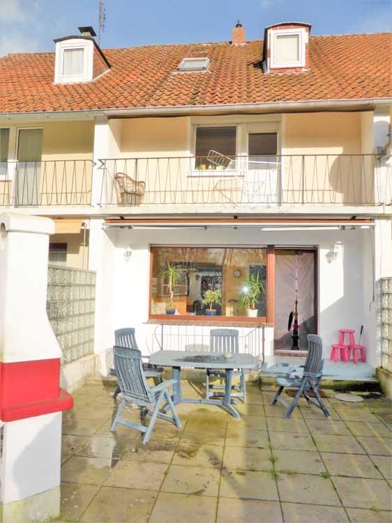 5 Zimmer Reihenhaus mit sonnigem Grundstück