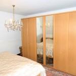 50er-Jahre-Klassiker-auf-herrlichem-Wassergrundstueck-Schlafzimmer