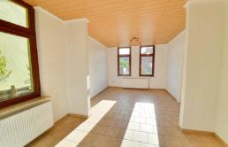 Charmante-Doppelhaushaelften-Brake-Wohnzimmer