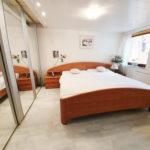 Doppeltes-Wohnglueck-auf-einem-Grundstueck-Brake-Schlafzimmer-UG