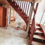 Doppeltes-Wohnglueck-auf-einem-Grundstueck-Brake-Treppenaufgang-UG