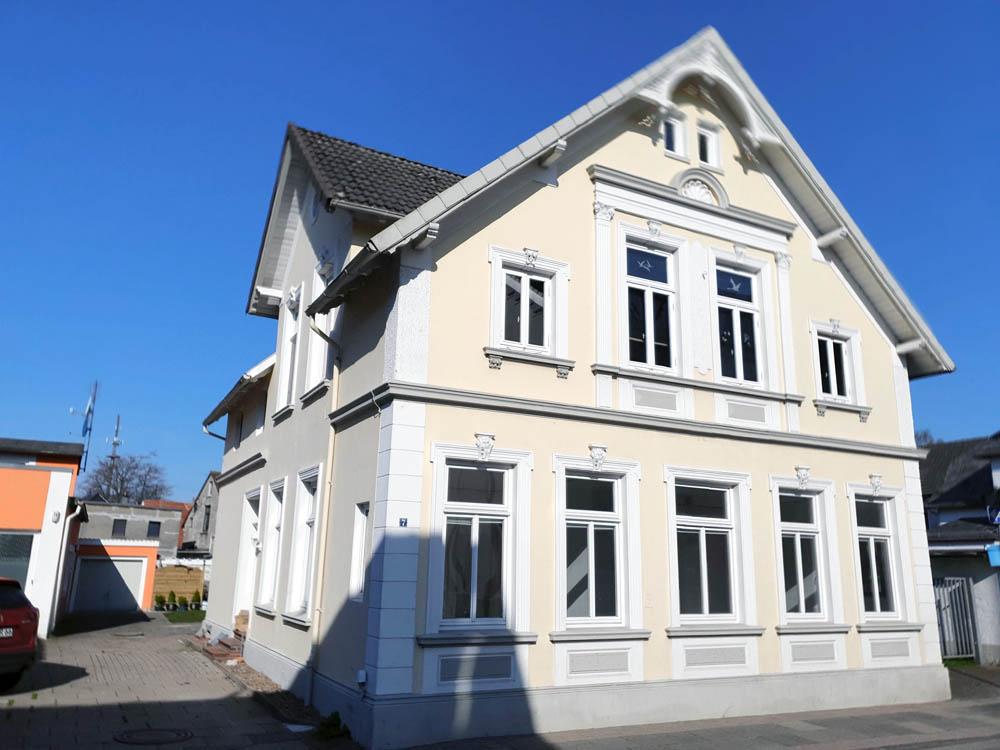 Ebenerdige-wunderschoene-Stadtwohnung-Brake-Ost-Suedansicht