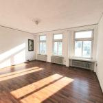 Ebenerdige-wunderschoene-Stadtwohnung-Brake-Wohnzimmer