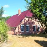 Einfamilienhaus-im-historisch-gewachsenen-Dorf-Alse-Gartenansicht