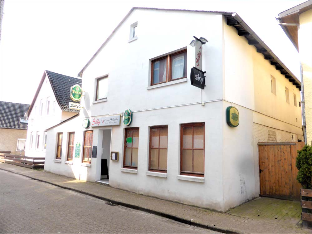 Gaststaette-mit-Wohnraum-in-Elsfleth-Strassenansicht