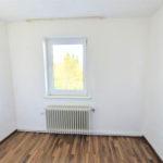 Huebsche-Obergeschosswohnung-Brake-Gaestezimmer