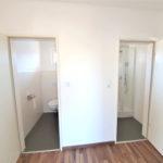 Huebsche-Obergeschosswohnung-Brake-WC-Bad