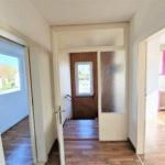 Huebsche-Obergeschosswohnung-Brake-Wohnungseingang