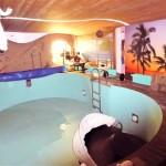 Mehrfamilienhaus mit Swimmingpool und Gewerbefläche in Brake