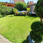 Schicke-DHH-Brake-Garten