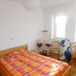 Schicke-Seniorenwohnung-mit-Balkon-und-Lift-Schlafzimmer