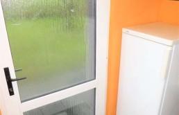Schoene-Doppelhaushaelfte-mit-Garage-und-grossem-Garten-Abstellraum