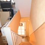 Schoene-Doppelhaushaelfte-mit-Garage-und-grossem-Garten-Treppenaufgang