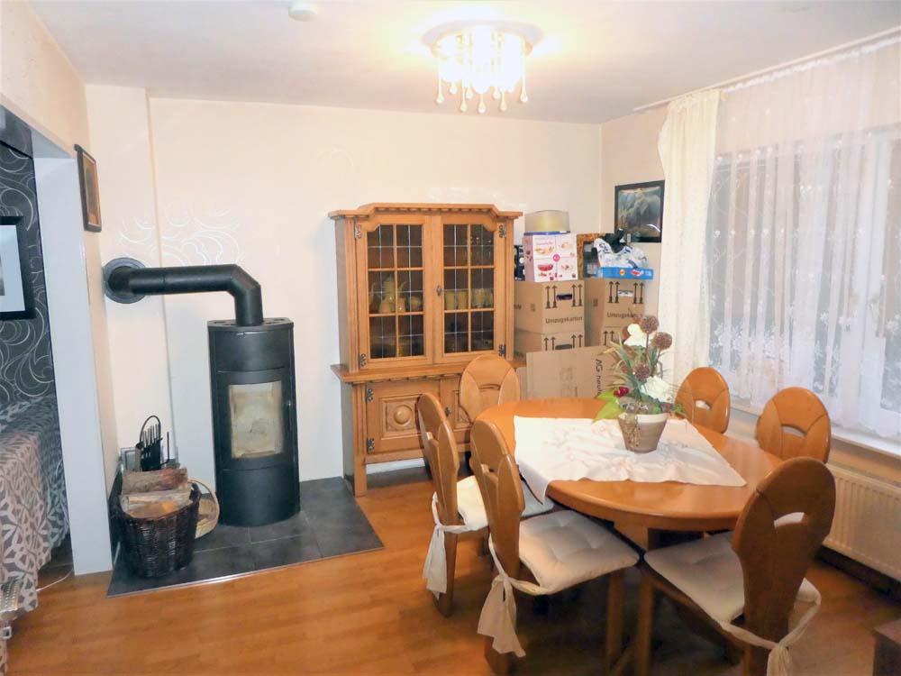 Schoene Doppelhaushaelfte Mit Garage Und Grossem Garten Wohnzimmer