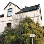Stadthaus-mit-Obstbaumgarten-Brake-Ansicht