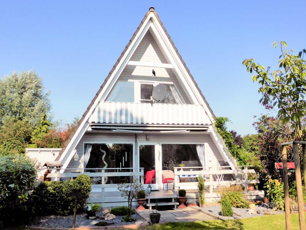 Wohnen-in-Elsfleth-wo-andere-Urlaub-machen-Gartenansicht
