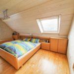 Wohnhaus-Brake-in-schoener-Lage-Schlafzimmer