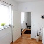 Wohnhaus-in-Brake-mit-Einliegerwohnung-Flur