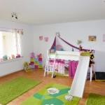 Wohnhaus-in-Brake-mit-Einliegerwohnung-Kinderzimmer