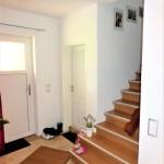 Wohnhaus-in-Brake-mit-Einliegerwohnung-Treppenaufgang